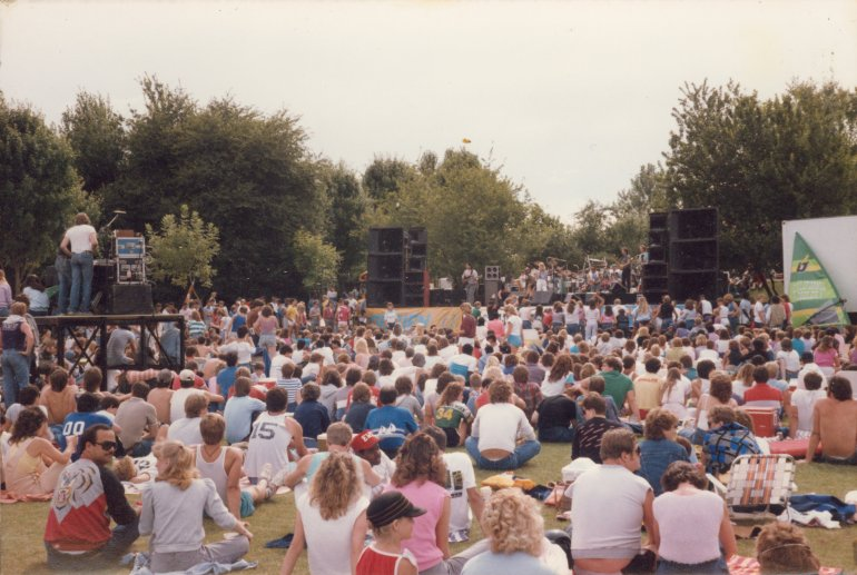 Nu Shooz play Vancouver Lake Park, 1986